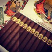 #petit #corona #bolivar #mythique #size #for #mytique #brand #hand #made @world.of.gerard.cigars.geneva #switzerland
